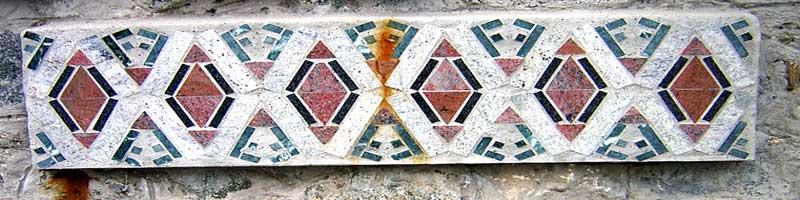 Design Mediterraneo - Mosaici in graniti e marmi policromi a Palla-Palla - Francesco Saverio ALESSIO - San Giovanni in Fiore, aprile 2000